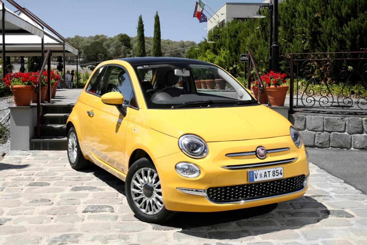 Жёлтый Fiat 500 на АКПП для женщин